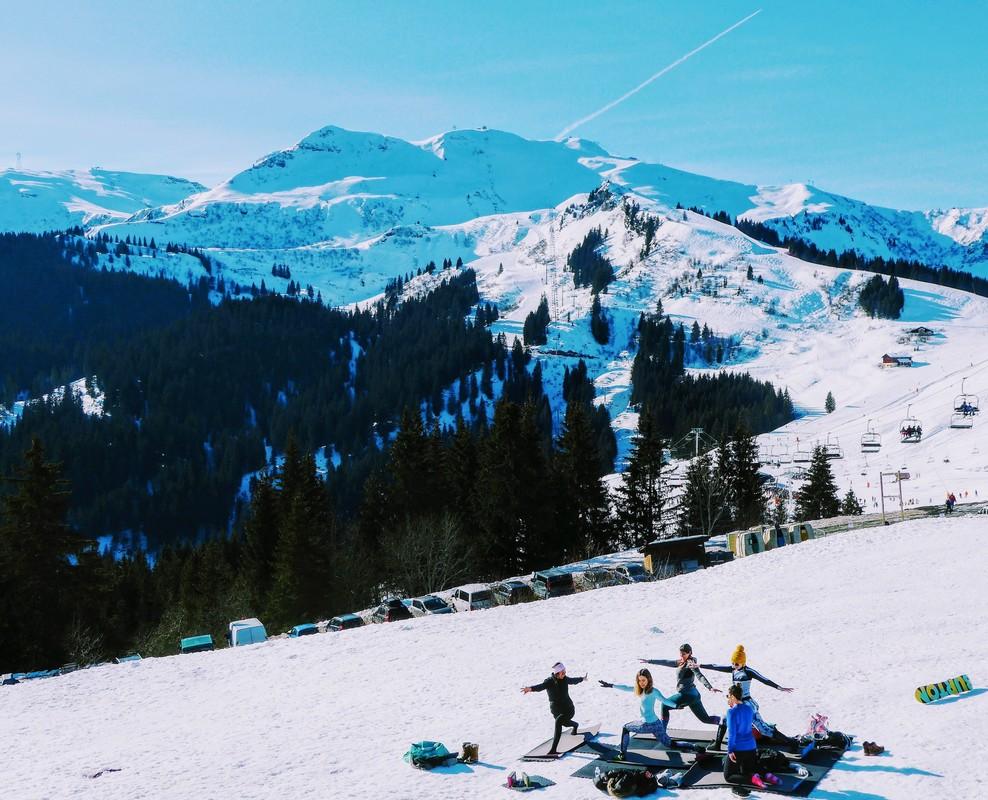 Alphine snow-ga in France.jpg