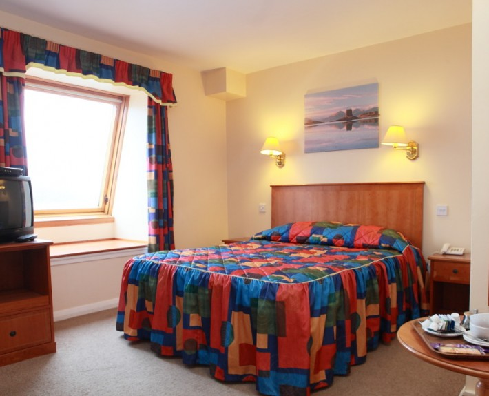 muthufortwilliamhotelbedroom