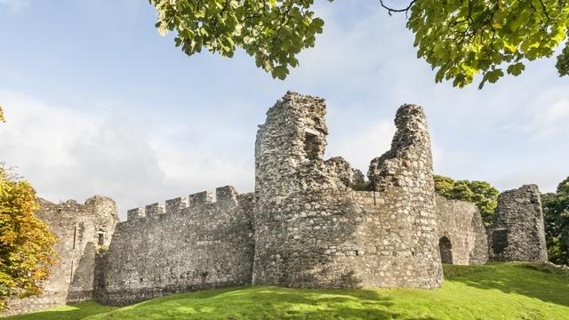 005 - Fort William, Scotland_shutterstock_240679807 (OLD INVERLOCH CASTLE)