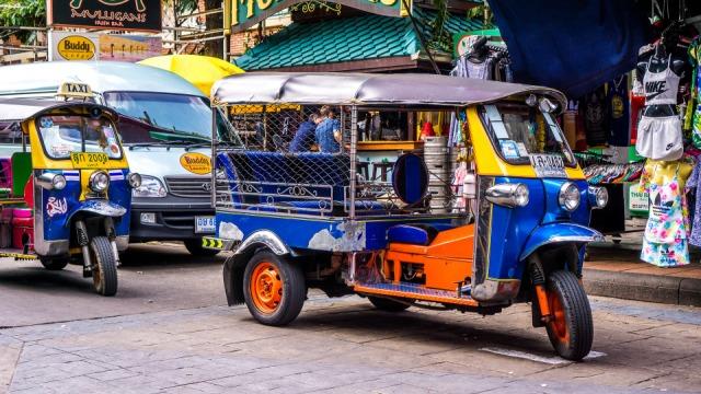 tuktuk-1643802_1920