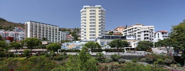 Muthu-Raga-Madeira-Hotel-exterior171
